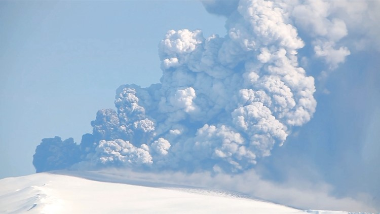 Volcanoes Could Be To Blame For Respiratory Illnesses Even if You Live Hundreds of Miles Away