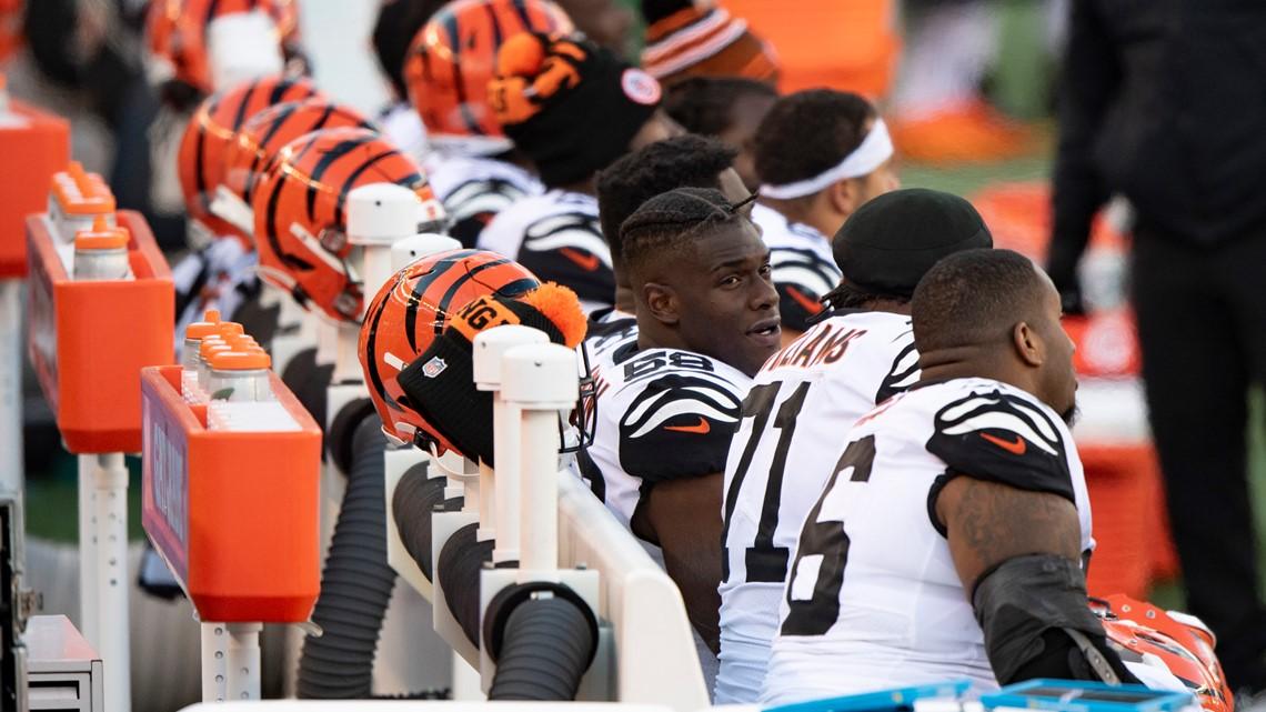 NFL: Masks mandatory at halftime, before and after games