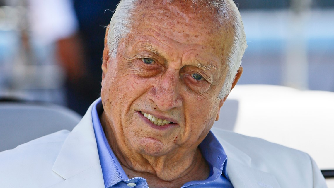 Tommy Lasorda, Hall of Fame Dodgers manager, dies
