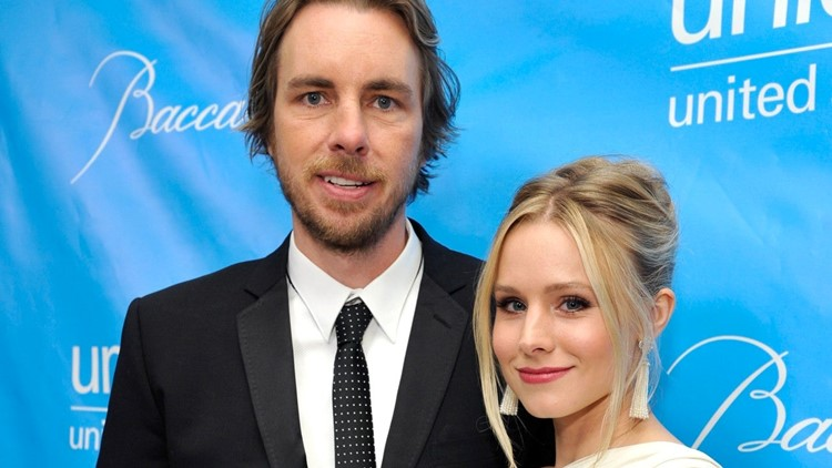 Dax Shepard Posts Nude Pic of Kristen Bell: 'Look at This Specimen'