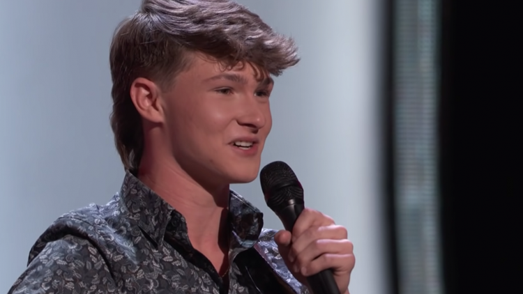 'The Voice' Sneak Peek: Country Singer Carson Peters Gets a 4-Chair Turn -- But Is Blake Shelton a Sure Thing?
