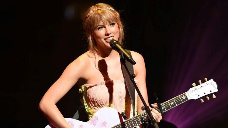 Taylor Swift Premieres City Of Lover Concert Special After Canceling Tour Due To Coronavirus Pandemic Cbs8 Com