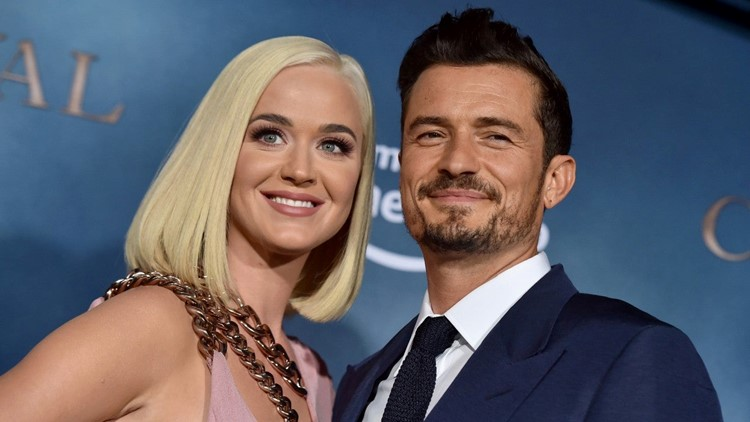 Orlando Bloom Sings to His & Katy Perry's Daughter Hoping Her First Word Is 'Dad'