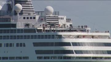 Cruise ship passengers disembarking along San Diego's Embarcadero