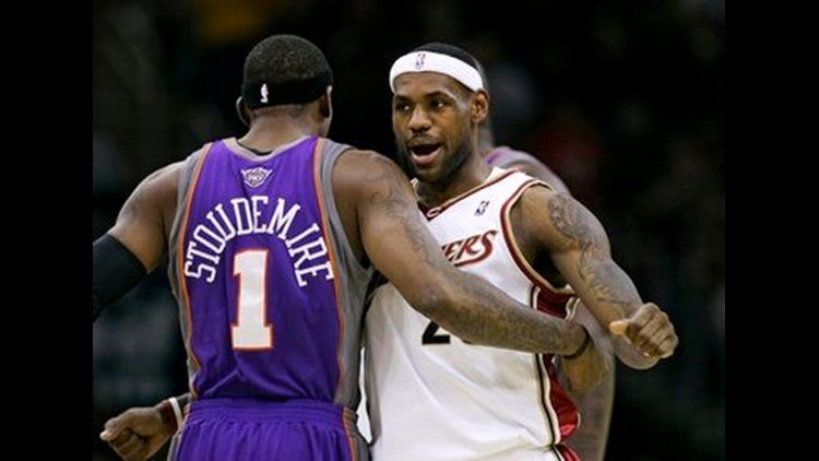 bc4c0096ae72 LeBron James announces decision to sign with Miami Heat