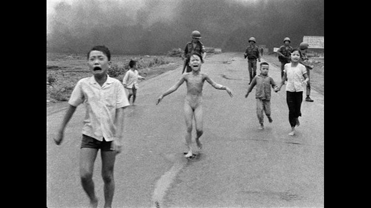 RARE original press photo of the Vietnam War Napalm Girl