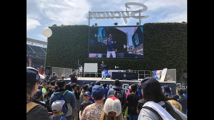 Padres player at weather day
