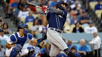 Quake, rattle, roll: Padres beat Dodgers 3-2 during shaker
