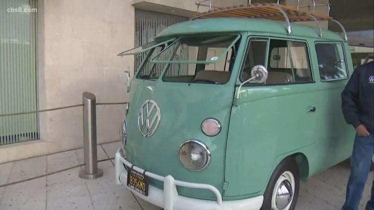 Classic Volkswagens drive into Imperial Beach for Air-Cooled Fiesta 7, Fiesta en la Playa