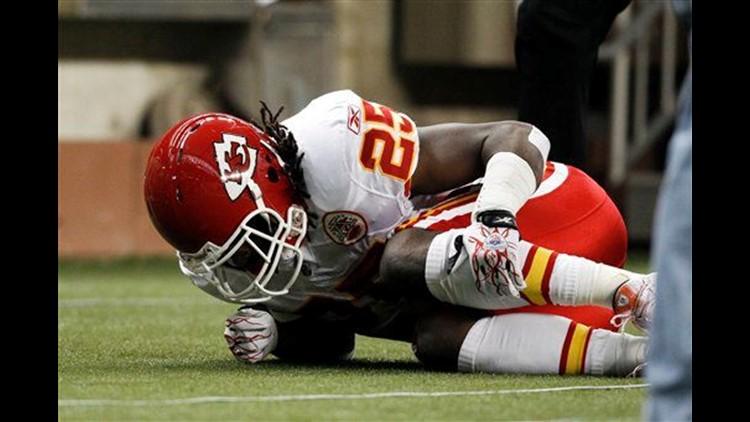 cc07e6b9 Chiefs' Charles suffers season ending knee injury   cbs8.com