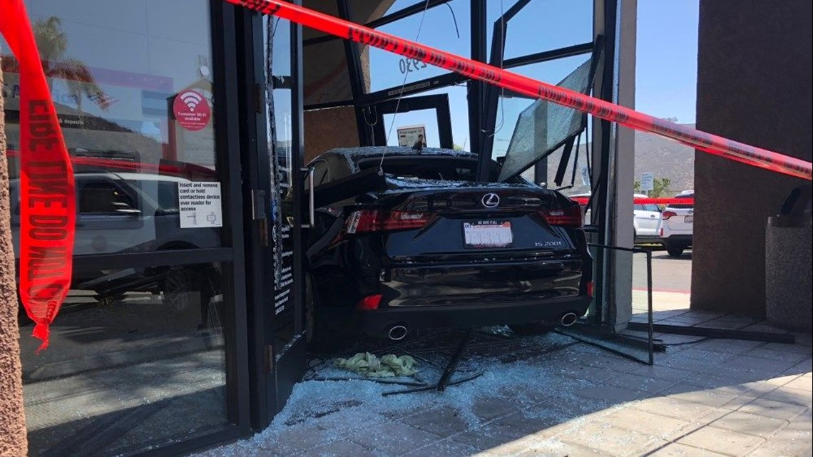 Woman Drives Car Into Bank In Rancho San Diego Cbs8 Com