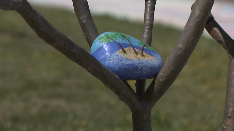 Art project brings neighbors closer, while keeping distance
