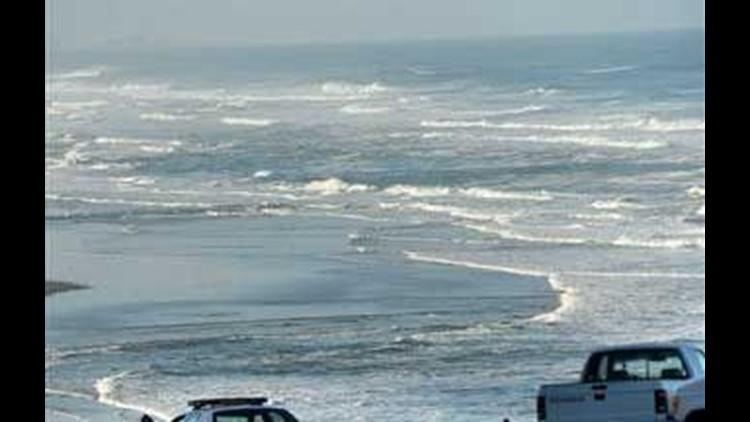 tsunami waves hit ore coast after sweeping hawaii cbs8