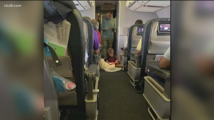 United Airlines crew helps autistic boy during flight