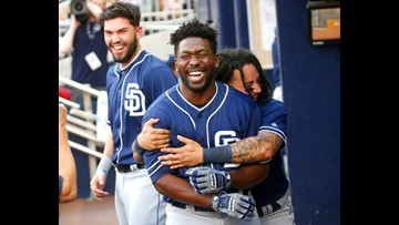 Renfroe hits go-ahead 2-run single as Padres beat Braves