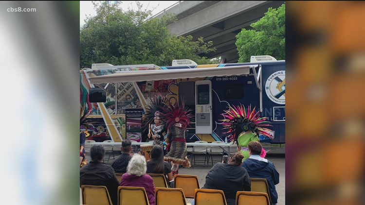 'Barrio Bus' returns to Chicano Park for the summer