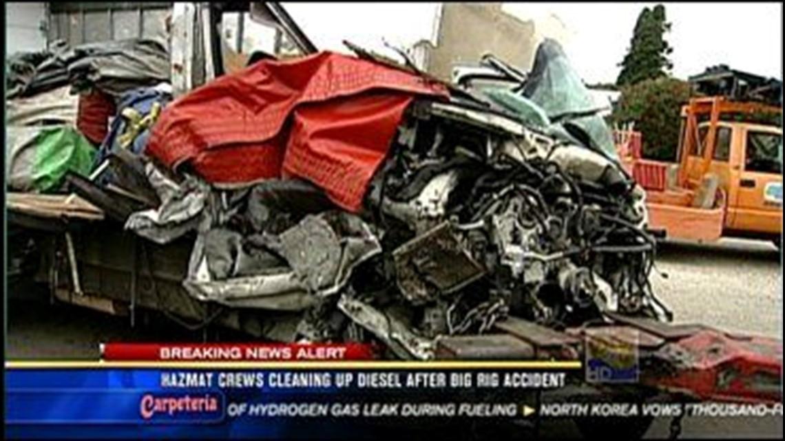 Big Rig Crash Causes Traffic Mess In North County | cbs8 com