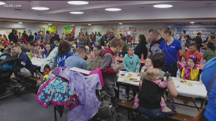 Early Thanksgiving dinner for San Diego military families