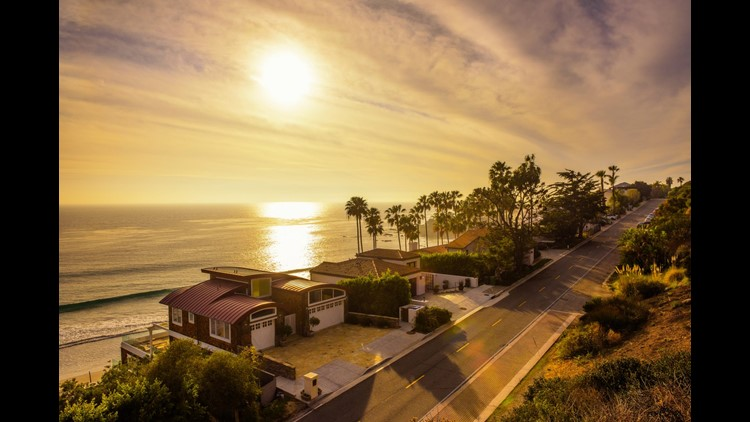With views like these, it's easy to see why so many celebrities live in Malibu. (Image by Nick Fox/Shutterstock)