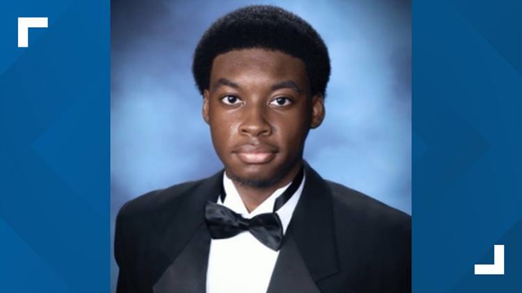Teen accepted to 40 colleges, receives $1.6 million in scholarships